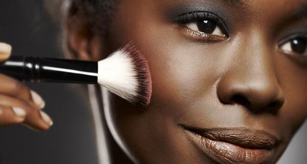 375509-maquiagem_pele_negra5