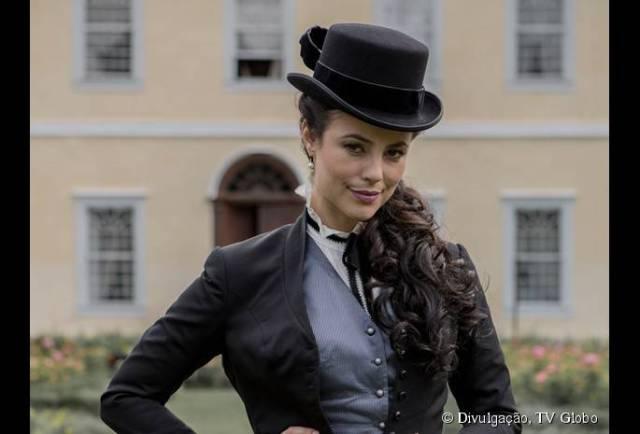 34932-a-atriz-paolla-oliveira-caracterizada-685x0-2